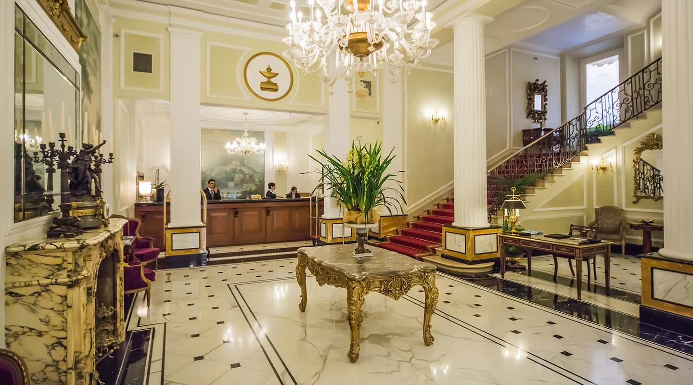 Unique luxury five star hotel in bologna grand hotel for Unique luxury hotels